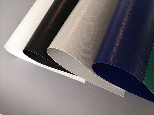 Matte/Glossy 550gsm Waterproof Fire proof PVC Tarpaulin Fabric withe free sample