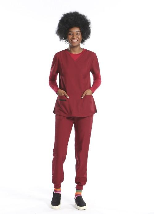 女式医用磨砂制服|修身短袖磨砂上衣和慢跑裤质量 |医用磨砂制服制造商