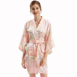 أردية من الساتان للنساء من المصنع حسب الطلب تصميم طباعة ملابس نوم للسيدات بالجملة أردية متوسطة الطول