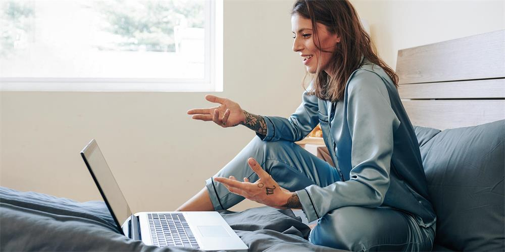 ten reasons why silk sleepwear can become high-end pajamas