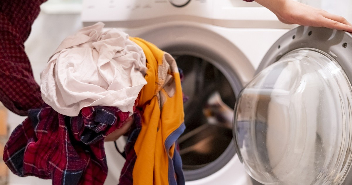 the specific method to clean the stains of women pajamas
