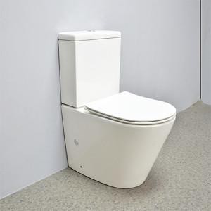 Inodoro estándar australiano flujo de descarga 3L / 4.5L inodoro de cerámica de color blanco volver a la pared baño inodoros de dos piezas al por mayor