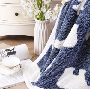Короткое вязаное одеяло оптом с шерпа-флисом с китайской фабрики