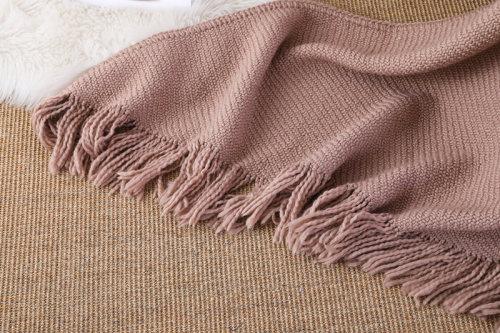 ODM Knit Triangle Blanket Мягкое декоративное вязаное одеяло оптом с кисточками