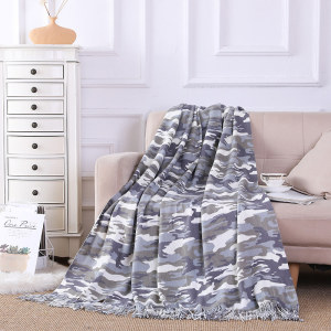 Wholesale Camouflage Printed Knitted Blanket With Tassels From  Chinese Factory