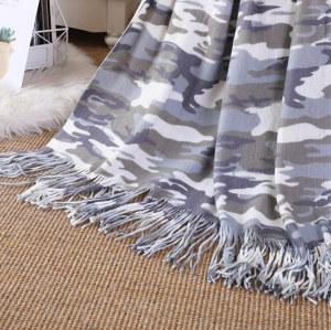 Оптовое вязаное одеяло с камуфляжным принтом и кисточками от китайской фабрики