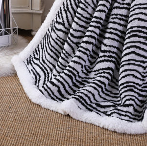Wholesale Premium zebra-stripe Sherpa Fleece Chunky Knit Blanket