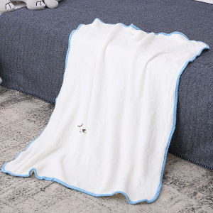 All-Season Wholesale White Flannel Fleece Recyclable Knitted Baby Blanket for Girls & Boys
