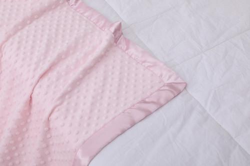Mantas de bebé tejidas al por mayor con forro punteado de doble capa con manta estampada de satén tierno