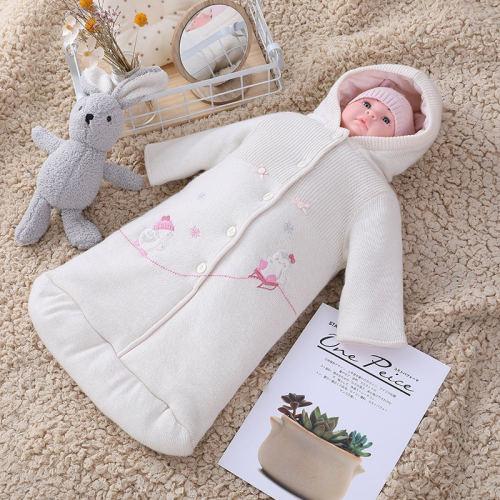 Gros nouveau-né tricoté BabyGirl sac de couchage anti-boulochage avec capuche, corps avec bouton et motif de broderie