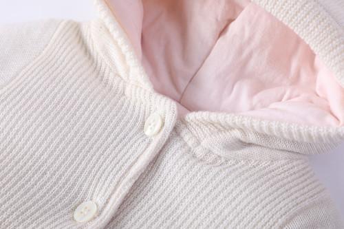 Оптовый вязаный спальный мешок для новорожденных BabyGirl Anti-pilling с капюшоном, боди с пуговицей и дизайном вышивки