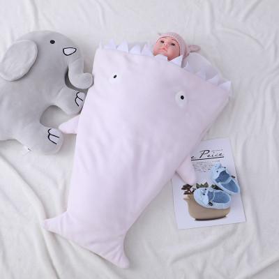 Saco de dormir para bebé con tiburón lindo al por mayor.Cálido y acogedor para niños.