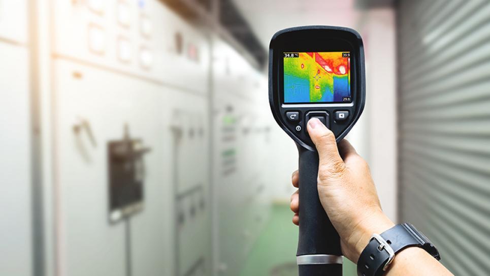 مبدأ العمل ومكونات كاميرا التصوير الحراري بالأشعة تحت الحمراء