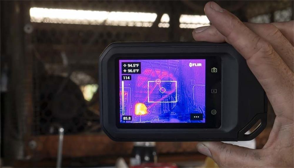 كيف تكتشف كاميرا التصوير الحراري بالأشعة تحت الحمراء تسرب المياه في تدفئة الأرضية؟