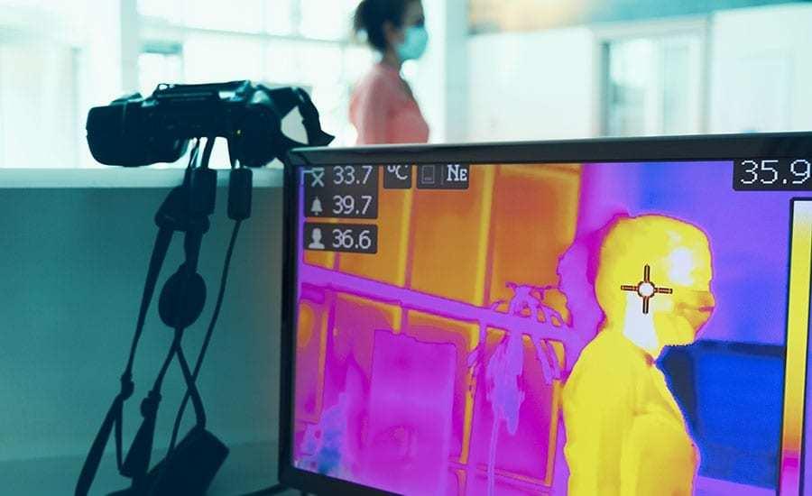 مزايا كاميرات التصوير الحراري بالأشعة تحت الحمراء مقارنة بمقاييس الحرارة بالأشعة تحت الحمراء