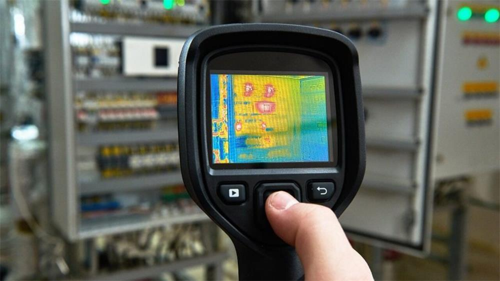 the advantages of infrared thermal imaging cameras compared to infrared thermometers