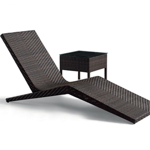 Wholesale rattan outdoor sun lounger with side table(HW13202)