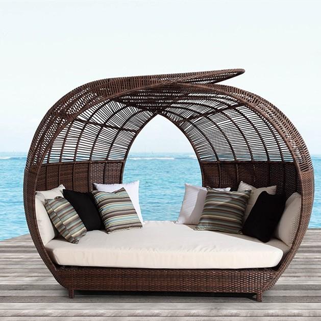 Wholesale rattan outdoor modern practical cover sunbed(YF-BT402)
