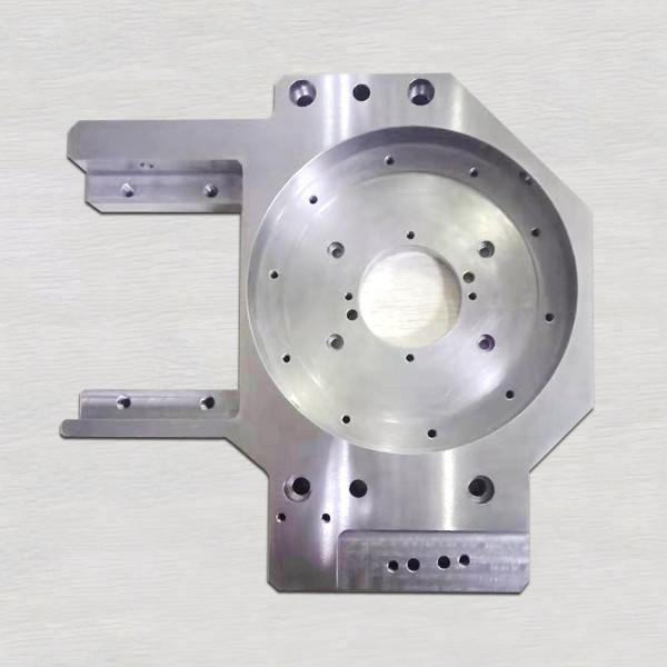 高精密機械加工部品、マシニングセンター加工部品、ワイヤカット部品