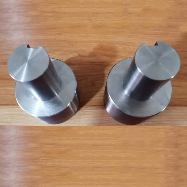 カスタム旋盤機械部品加工、精密フライス切削加工、継手精密部品